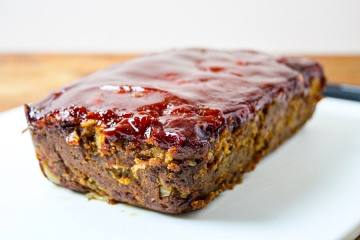 vegan meatloaf with tomato glaze