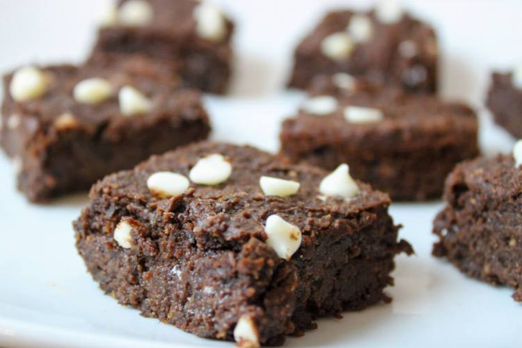 black bean brownies with white chocolate chips